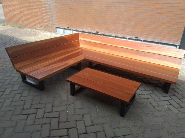 Lounge hoekbank hout staal