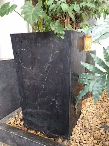Plantenbak natuursteen