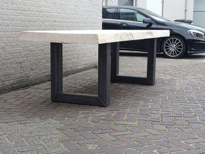 Tuintafel TW Utrecht - Boomstam